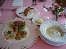 フレンチレストラン ポム・ココット ☆ワゴンデザートが人気です。